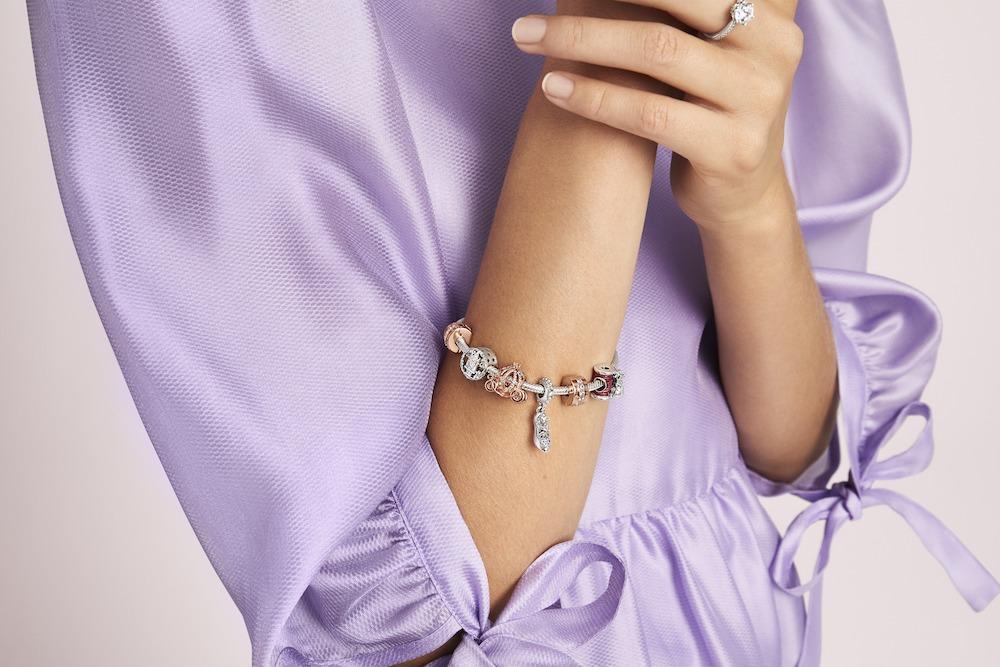 bracciale Pandora indossato